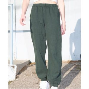 Brandy Melville Forest Green Rosa Sweatpant